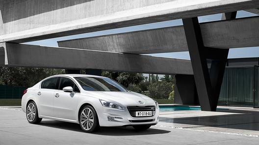Новый бизнес-седан Peugeot 508 привезут в Париж