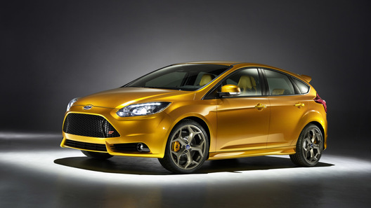 Новый Ford Focus ST получил 247-сильный двигатель с турбиной