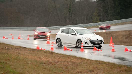 Гоняем по литовскому автодрому вместе с Mazda Sport Academy