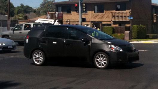 Toyota покажет в Детройте новый секретный концепт Prius