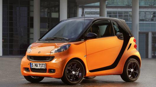 Оранжево-черный Smart Fortwo вскоре появится у дилеров