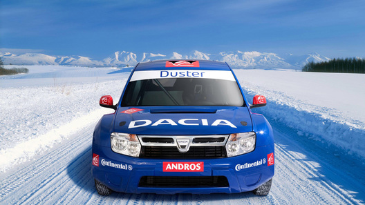 В Dacia Duster установят мотор от Nissan GT-R