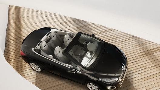 Peugeot 308 пережил экологический рестайлинг