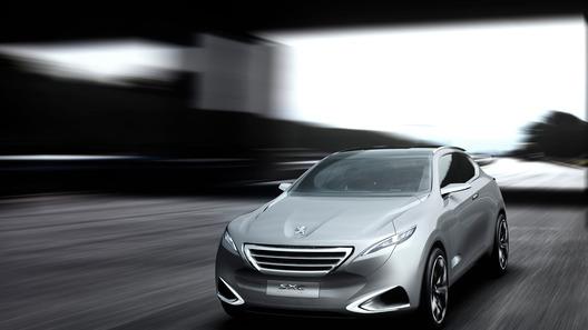 Peugeot раскрыл новый кроссовер до официальной премьеры