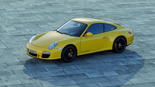 Porsche представил новый 911 Carrera 4 GTS