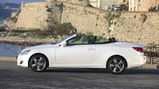 Lexus выпустил ограниченную серию кабриолета IS 250C