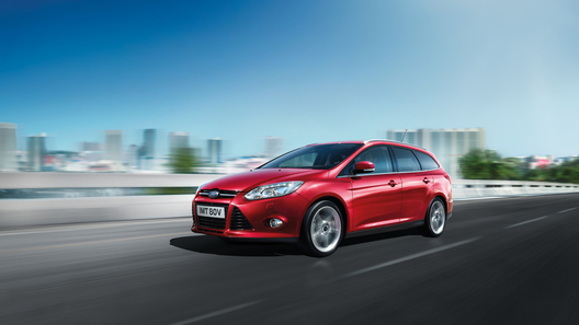 Ford объявил о старте продаж нового Focus в кузове универсал