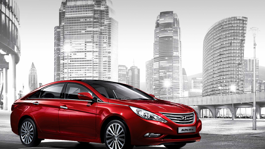 Hyundai Sonata пережила мягкий фейслифтинг