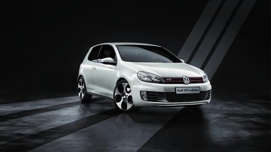 Volkswagen привез в Россию особую версию Golf GTI