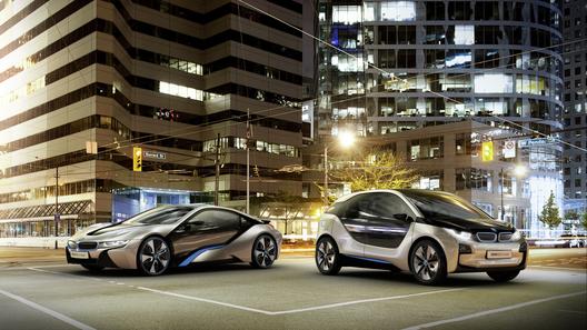 Концерн BMW официально представил две модели суббренда i