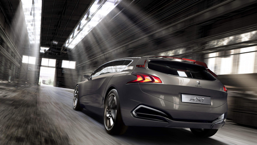 Peugeot привезет во Франкфурт концептуальный минивен
