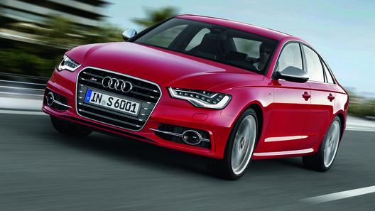 Audi назвал российские цены на S6 и S7