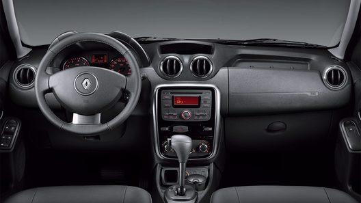 Renault представил первые фото интерьера российского Duster