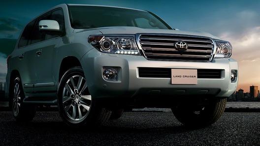 Toyota Land Cruiser 200 официально пережил фейслифт