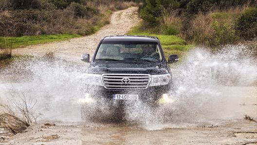 Toyota Land Cruiser получил новый дизель