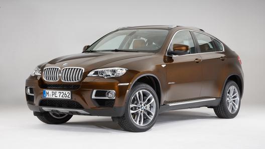 BMW официально представил обновленный кроссовер X6
