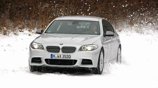BMW показал, как работает двигатель с тройной турбиной