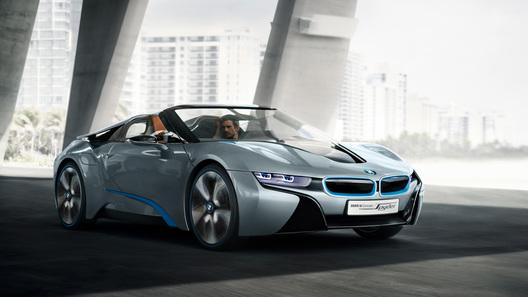 BMW согласилась запустить открытый i8 Spyder в производство