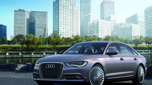 Audi показала в Пекине две спецверсии Q3 и электрический A6