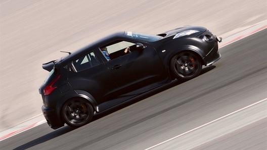 Nissan Juke-R все же выпустят ограниченной партией