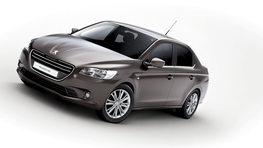 Компактный седан Peugeot 301 покажут в Париже