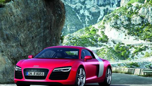 Audi R8 можно купить в России за 5 450 000 рублей