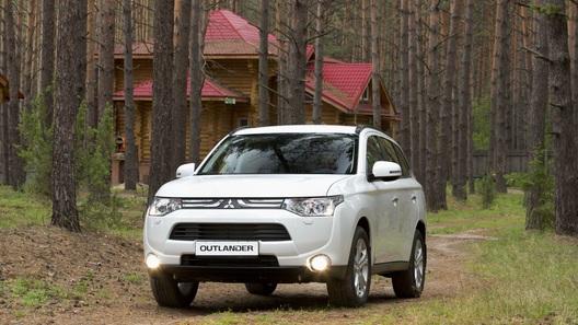 Обкатываем новый Mitsubishi Outlander в нижегородских лесах