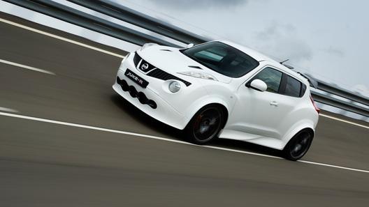 Первый Nissan Juke-R за полмиллиона евро сошел с конвейера