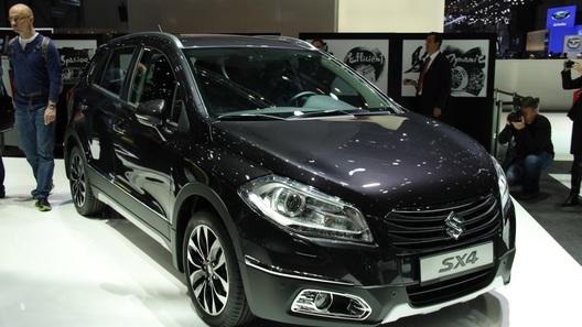 Suzuki представила в Женеве новый SX4