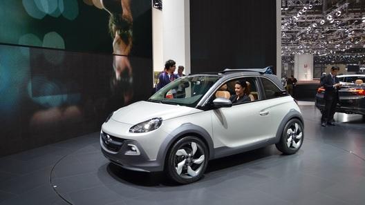 Opel Adam в Женеве научился сдвигать крышу