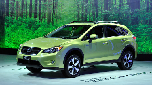 Гибридный кроссовер Subaru XV появится в продаже в конце года