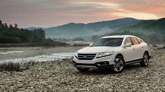В Россию привезут переднеприводный Honda Crosstour