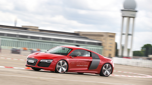 Электрический суперкар Audi пойдет в серию