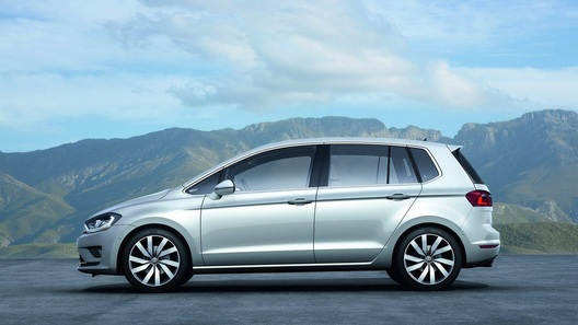 Volkswagen намекнет на новый Golf Plus