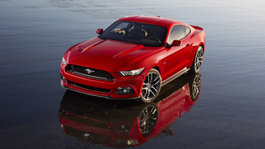 Новое поколение Ford Mustang начнут продавать в России в 2015 году