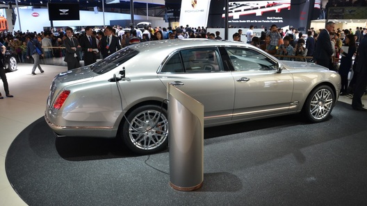 Bentley осваивает гибридные силовые установки