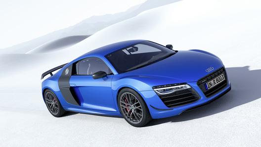 Audi представила первую серийную машину с лазерными фарами
