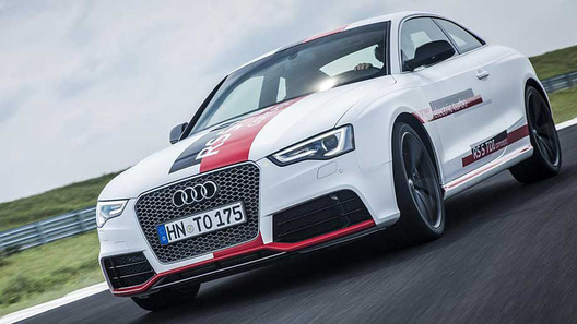 Купе Audi RS5 получило дизель и электротурбину