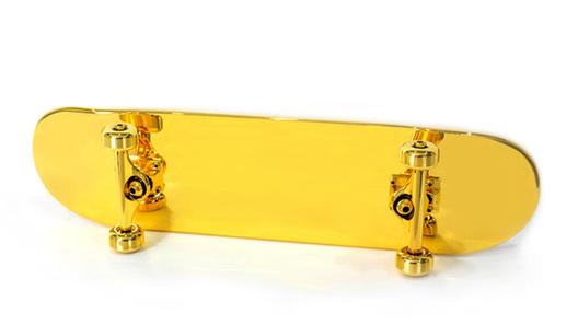 Золотой скейтборд оценили в 15 тысяч долларов