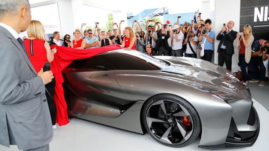 Макетом виртуального спорткара Nissan намекнула на новый GT-R