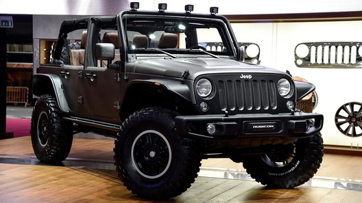 Jeep привез в Париж