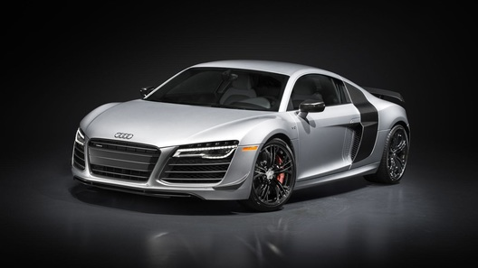 Audi представила самую мощную версию R8 в истории