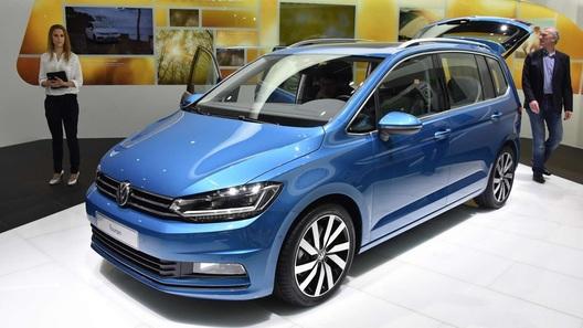 Volkswagen Touran стал больше, но легче