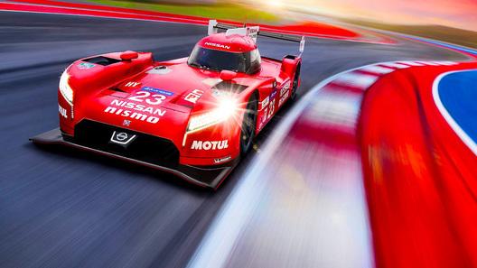 Почему на гоночном Nissan все не как у людей?