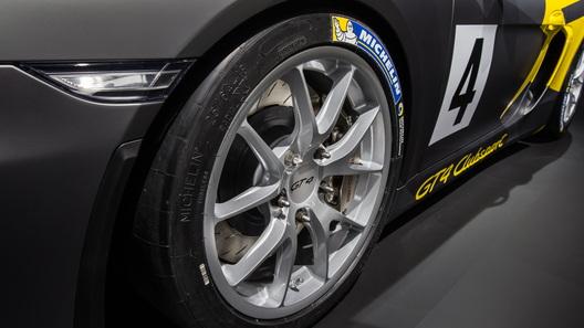 Porsche Cayman превратился в трековый спорткар