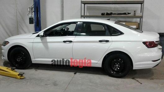 VW продемонстрировал изображения нового спорткара