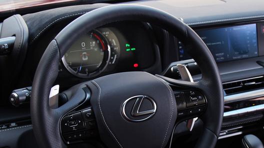 Посчитали-прослезились: цифровая приборная панель Lexus LC 500