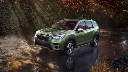 Названы российские цены на новый Subaru Forester