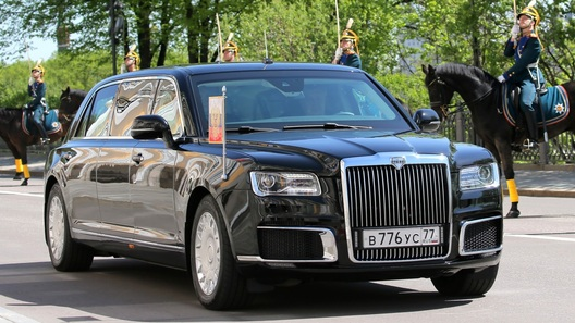 Новый российский лимузин президента РФ: дебют состоялся!