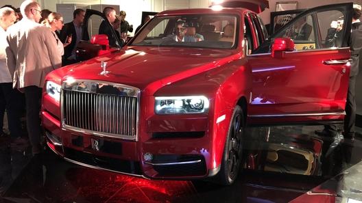 В России представлен ультрароскошный внедорожник Rolls-Royce (цена шокирует!)
